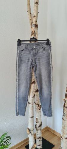 Damenhose in grau Gr. S mit Steinchen