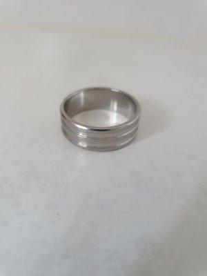 -8- Venice Silver Ring white
