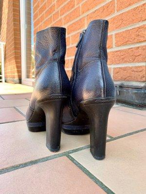 Damenschuh:  Santoni-Stiefeletten mit Plateau