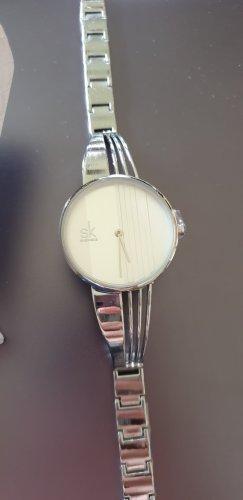 Shengke Reloj con pulsera metálica color plata