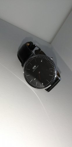 Daniel Wellington Watch With Leather Strap black