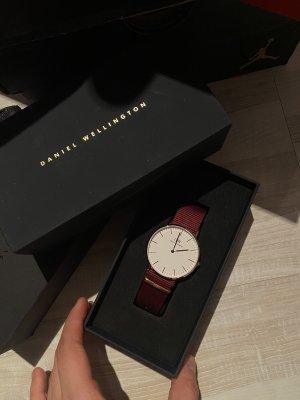Daniel Wellington Reloj digital burdeos-color oro