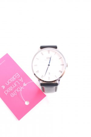 Daniel Wellington Watch With Leather Strap black simple style