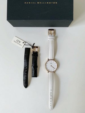 Daniel Wellington Uhr rosegold mit zusätzlichem Wechselarmband