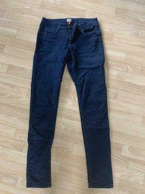 Dark Jeans