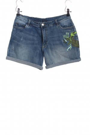 Darling Denim Shorts embroidered lettering casual look