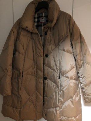 Manteau en duvet chameau