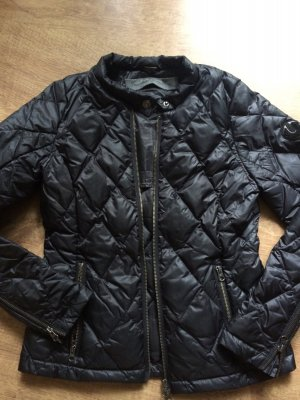 Daunen Jacke in schwarz