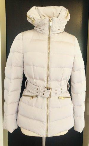 Daunen Jacke tailliert von ZARA Woman mit versteckter Kapuzen