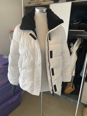 One More Story Manteau en duvet blanc-noir