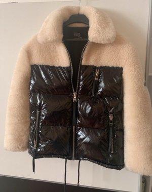 We Love Furs Donsjack zwart-room