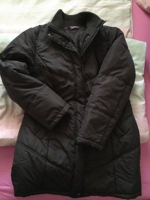 Abrigo acolchado marrón oscuro