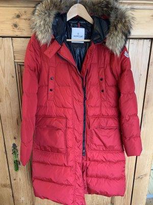 Moncler Manteau en duvet rouge