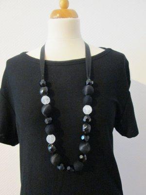 DaWanda Perlenkette handmade Unikat schwarz/weiß