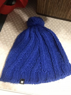 DC Knitted Hat neon blue