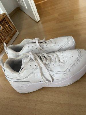 DC Sneaker Gr 41 ( fallen kleiner aus )