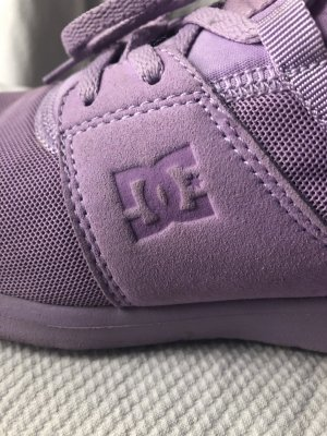 DC Shoes Lace-Up Sneaker lilac