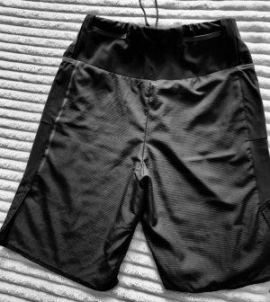 Decathlon Pantalón corto deportivo negro