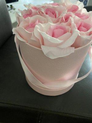 Étole or rose