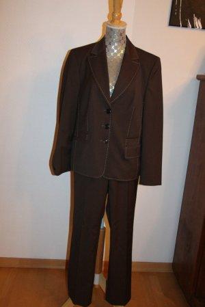 Delmod  edler  Anzug Hosenanzug Blazer mit Hose Gr. 20 (40er Kurzgröße)