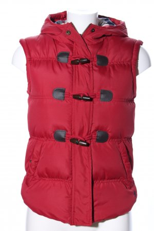 Denim Co. Quilted Gilet red quilting pattern casual look