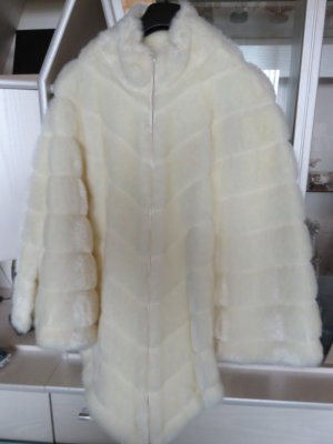 Dennis Basso Cape blanc polyester
