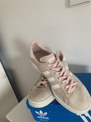 Adidas Chaussure skate rosé-vieux rose