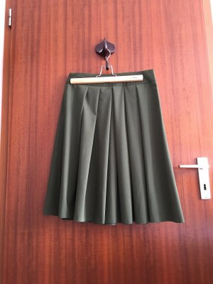Falda plisada caqui