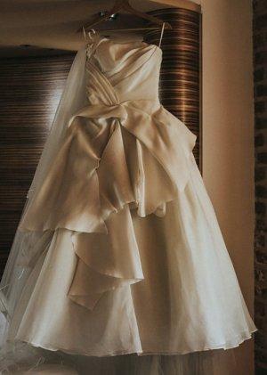 Vera Wang Wedding Dress natural white silk