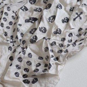Designer Schal Tuch 100% Seide mit totenköpfen