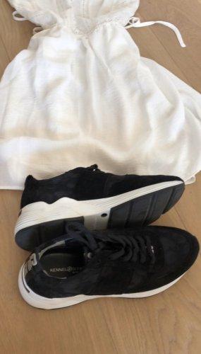 Designer Schuhe in schwarz mit Leo Print
