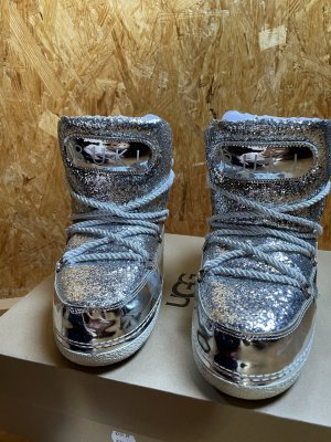 Designer Snowboots