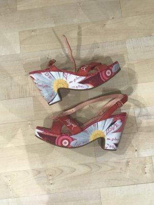 Desigual Wedges/Schuhe in rot mit Blumenmuster