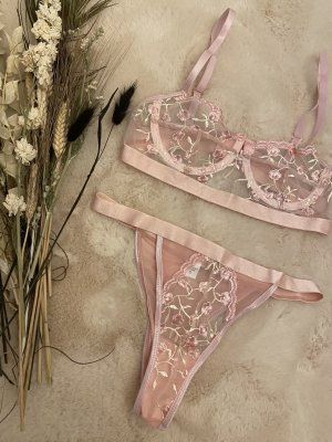 Set lingerie color oro rosa-rosa