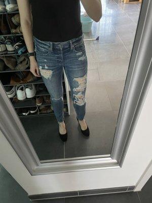 Destroyed Mid Waist Jeans