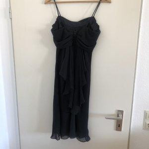Detailreiches Kleid