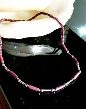 Dezente Halskette mit Holzperlen,  handgefertigt,  42cm