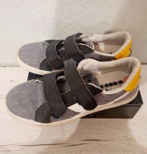 Diadora Sneaker blau-gelb Casual-Look