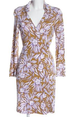 Diane von Furstenberg Wraparound allover print casual look
