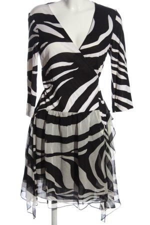 Diane von Furstenberg Wraparound white-black abstract pattern casual look
