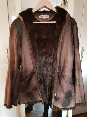 Giacca in pelliccia marrone-marrone scuro