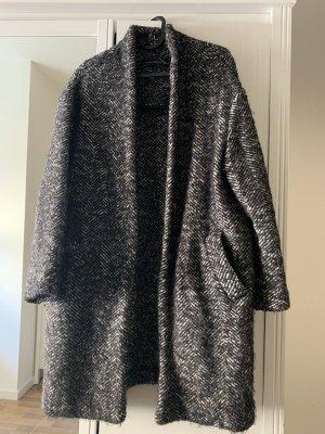 Dicker Mantel mit Fischkrätenmuster