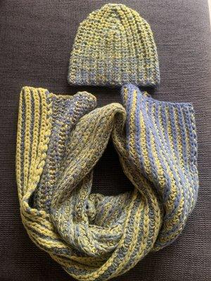 COS Bufanda de lana gris-amarillo limón
