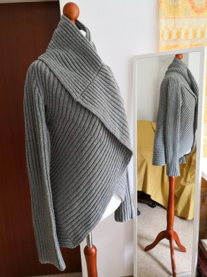 Dicker Strickcardigan