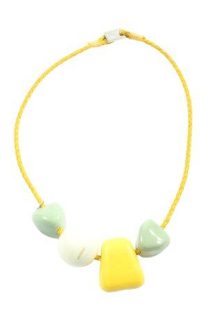 Didi Collier Necklace primrose casual look