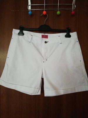 Gustav Shorts white