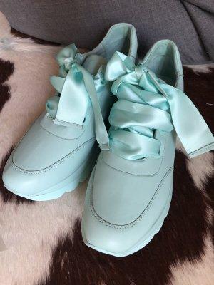 Café Noir Lace-Up Sneaker baby blue leather