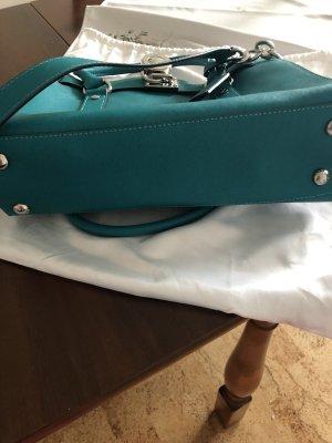 Die Tasche ist von Michael Lord