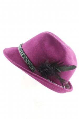 Traditional Hat pink-black casual look