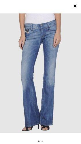 Diesel flared jeans neu ohne Etikett